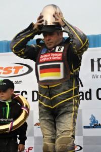 Hartmut Ernst si odvezl krásnou trofej