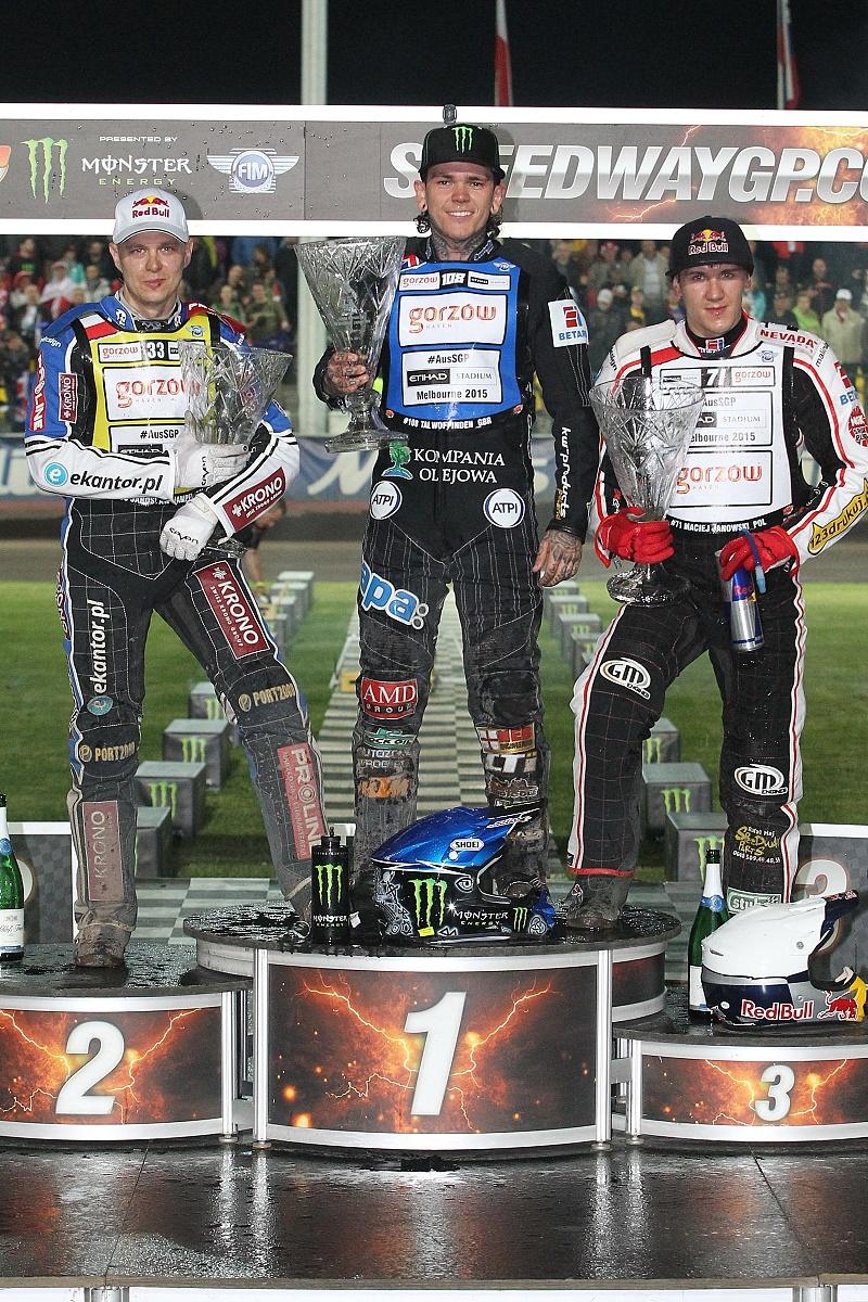 Jaroslaw Hampel, Tai Woffinden a Maciej Janowski stojí na stupních vítězů