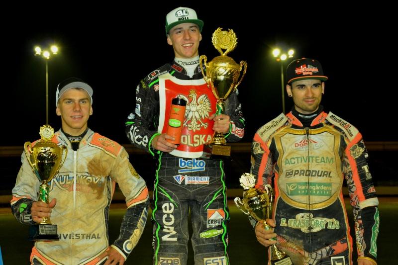 Viktor Kulakov, Pawel Przedpelski a Mikkel Michelsen na stupních vítězů
