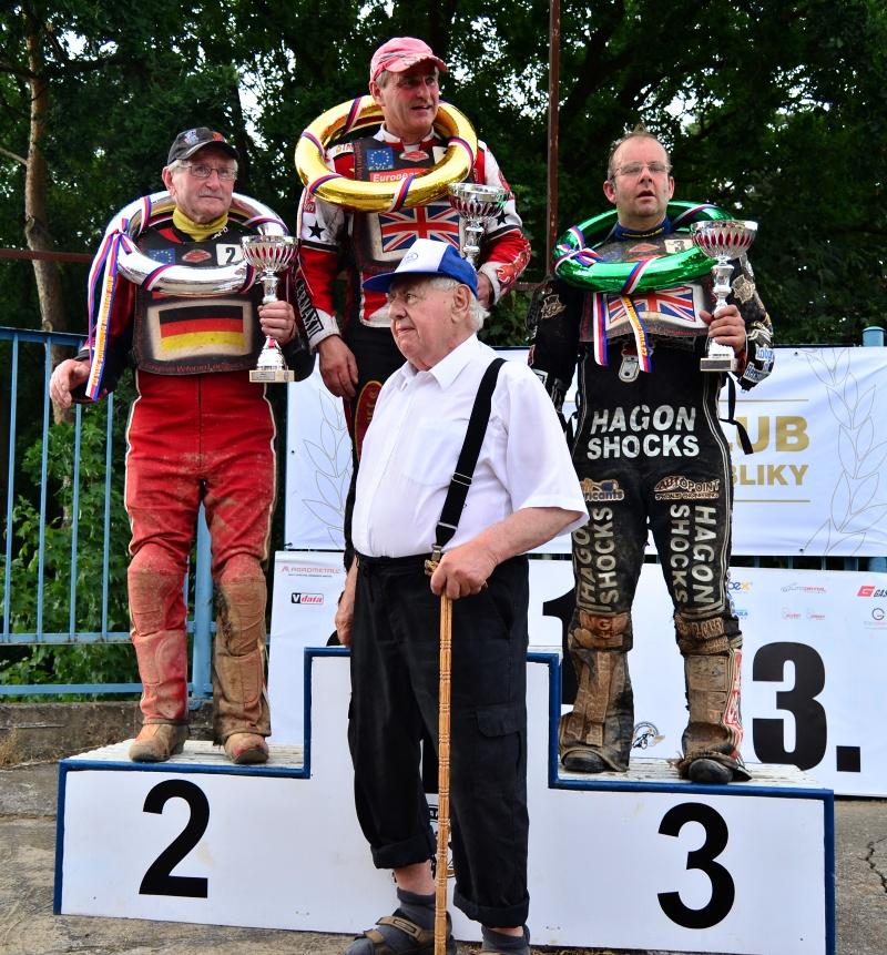 Jiří Šmída s nejlepšími z dvouventilů: zleva Franz Greisel, Kevin Teager a Keith Snelling