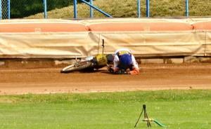 Neuvěřitelný Francesco Barbetta skončil závod kvůli pádu