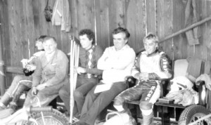 Jan Schinágl musel juniorská finále roku 1986 vynechat kvůli zranění, vlevo Vladimír Kalina, vpravo Jan Holub