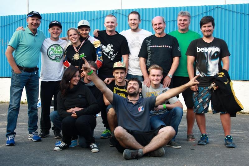 Bronzový český tým ve svém širším realizačním složení