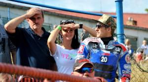 Nedá se říct, že by Michala Škurly nebylo všude plno - stačil i fandit s otcem Martina Málka Pavlem a jeho přítelkyní Gabriellou
