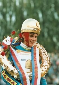 Tomáš Topinka si před dvaceti lety vychutnává pocity vítěze Zlaté přilby