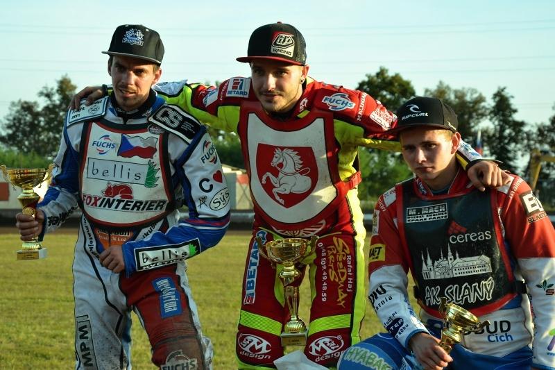 Nejlepší trio závodu: Matěj Kůs, Václav Milík a Eduard Krčmář