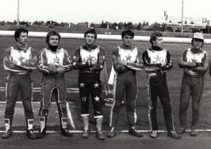 Extraligová RH Praha v půli osmdesátých let: zleva Petr Vandírek, JIří Svoboda, JIří Štancl, Petr Kubíček, Antonín Kasper a Jan Verner