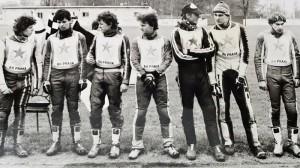 Pražské céčko ve druholigovém závodě v Čakovicích v dubnu 1985: zleva Karel Dušek, Jaroslav Pavelka, Pavel Koten, Daniel Boháč, Jan Hruška a Radomír Semela