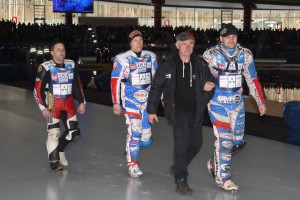 Antonín Klatovský vede svůj tým na nástup