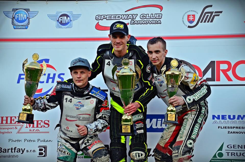 Josef Franc, Martin Vaculík a Jevgenij Kostigov stojí na stupních slovenského šampionátu
