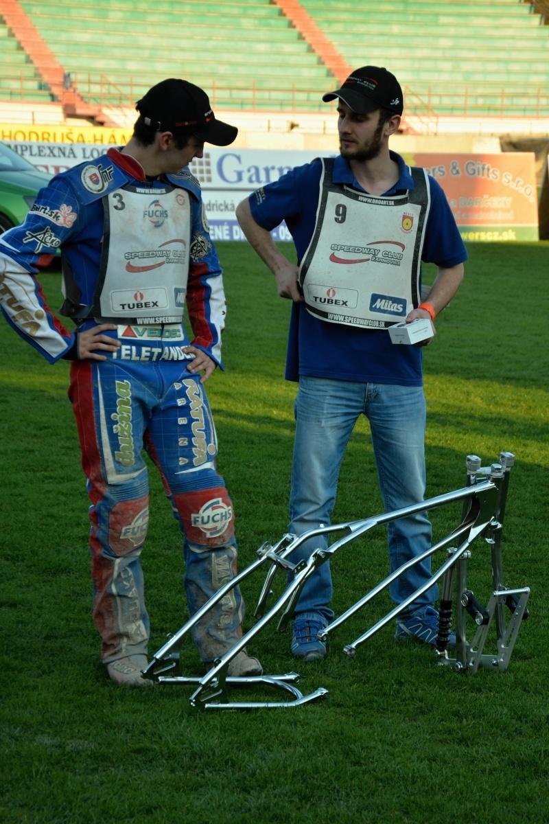 Nový rám vyhrál nakonec Michal Tomka, zatímco Patrik Búri nakonec dostal hodinky
