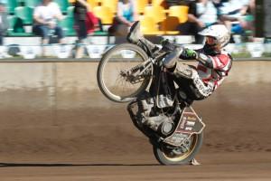 Vítězné wheelie Mikkela B. Jensena