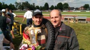 Martin Málek se svým otcem Pavlem měli z prvního letošního pódia radost