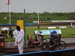Déšť předčasně ukončil závod