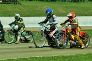 Odleva Bruno Belan, Lukáš Vinter a Michal Baštecký