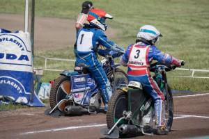 Petr Chlupáč (1) a Milan Dobiáš (3) se chystají ke startu