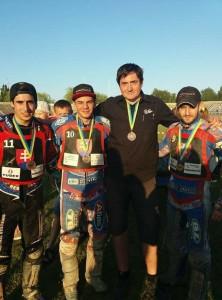 Slovákům na Ukrajině pomáhal na pódium také Cristian Zubillaga