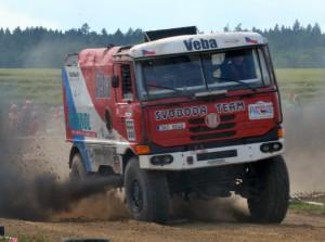 Nad řáděním soutěžních kamiónů se tajil dech