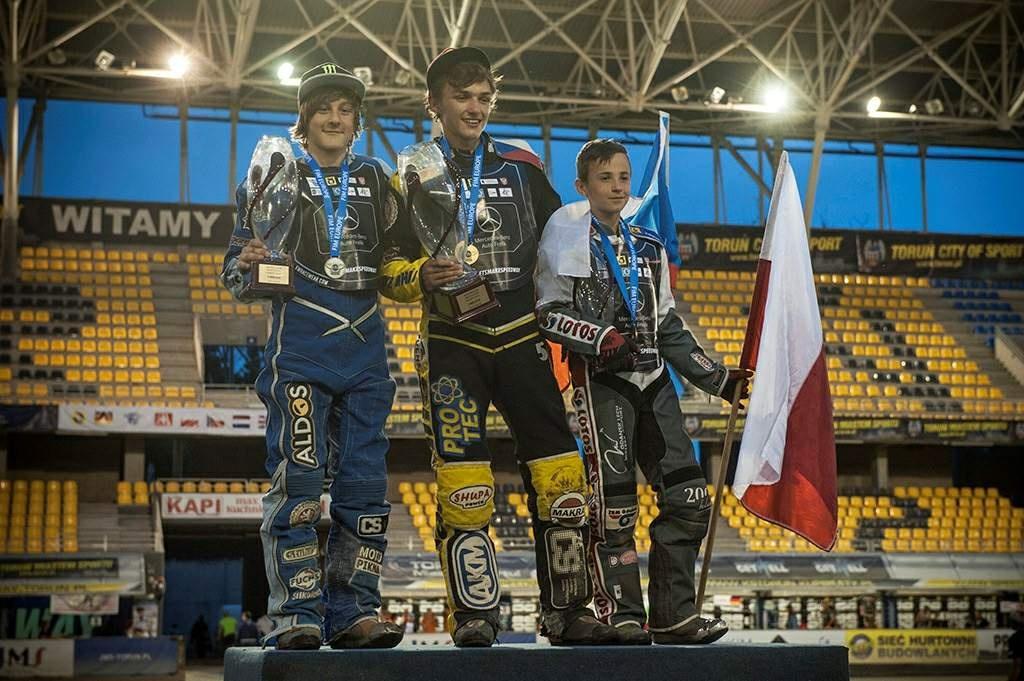 Daniel Klíma, Filip Šifalda a Bartosz Tyburski na stupních vítězů