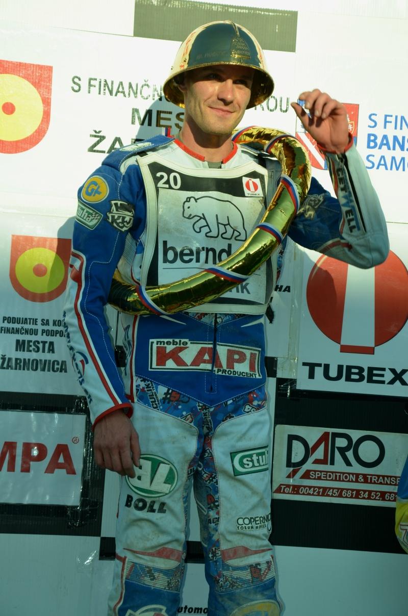 Martin Vaculík s treťou zlatou prilbou v roku 2016