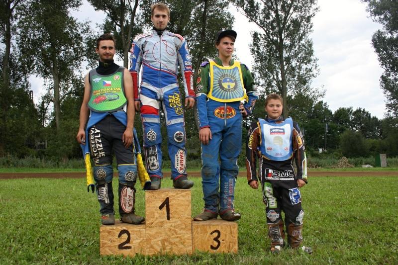 Speedway: zleva Josef Novák, Michal Škurla, František Klier a Jan Hlačina