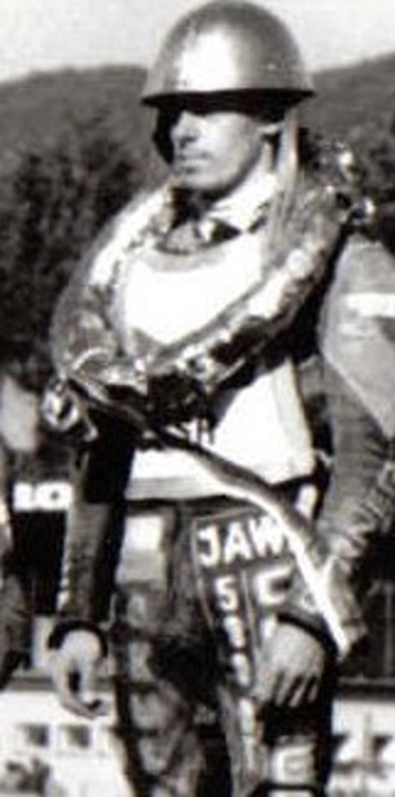 Antonín Kasper s druhou zlatou prilbou v roku 1987