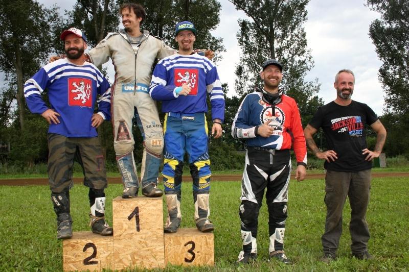 Flat Track: zleva Jiří Kraus, Aleš Plecháč, Pavol PUčko, Václav Gehart a Aleš Duben