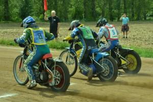 Nevídaná věc, tři závodníci s licencemi na startu jedné kostěnické jízdy - zleva František Klier, Josef Novák a Michal Škurla