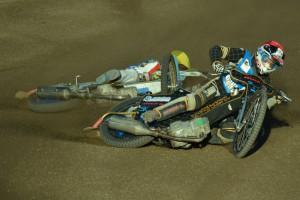 Viljami Lappi a Filip Nizgorski padají v rozjížďce s číslem dvě