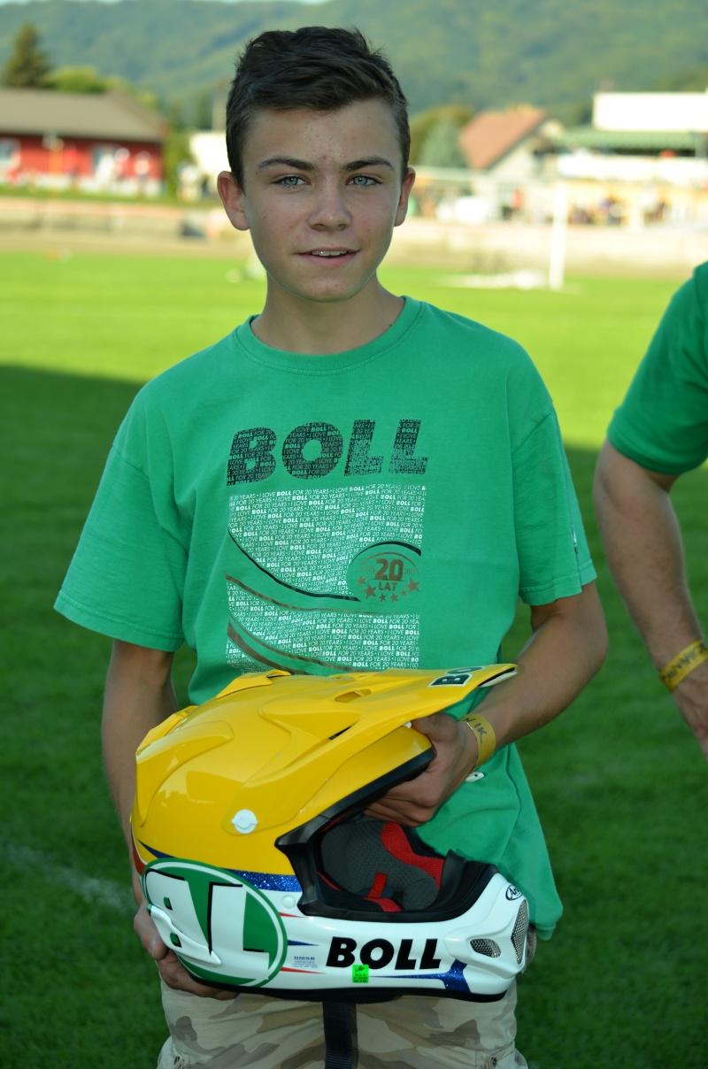 Před rokem David Pacalaj donesl Martinu Vaculíovi přilbu na finálový startovní rošt