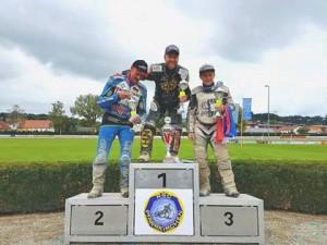 Včera na stupních vítězů v Pfarrkirchenu: Bernd Diener, Martin Smolinski a Josef Franc