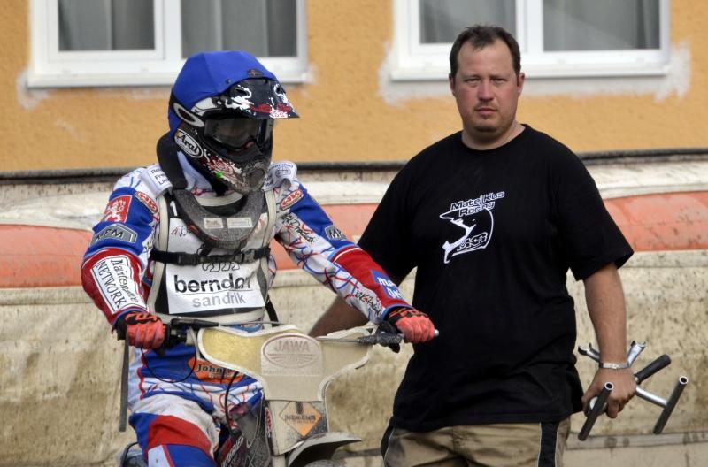Matěj Kůs s mechanikem Milanem Mihulem cestovali po ose až do Baltu
