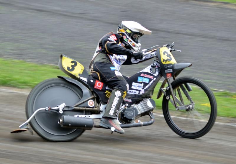 Josef Franc v Kopřivnici testoval dlouhodrážní motocykl při červnovém přeboru