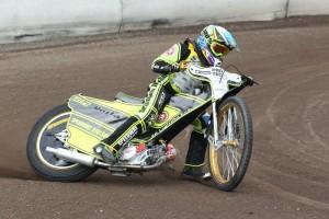 Vojtěch Šachl jezdil o tréninku ještě v sedle svého vlastního motocyklu