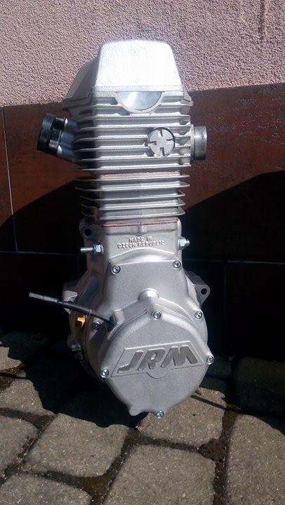 Dvouventilový motor Jawa