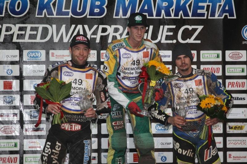 Peter Kildemand, Max Fricke a Jurica Pavlic na stupních vítězů