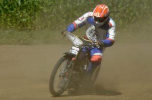 Při svém první závodě se Milan Moravec postavil na stupně vítězů