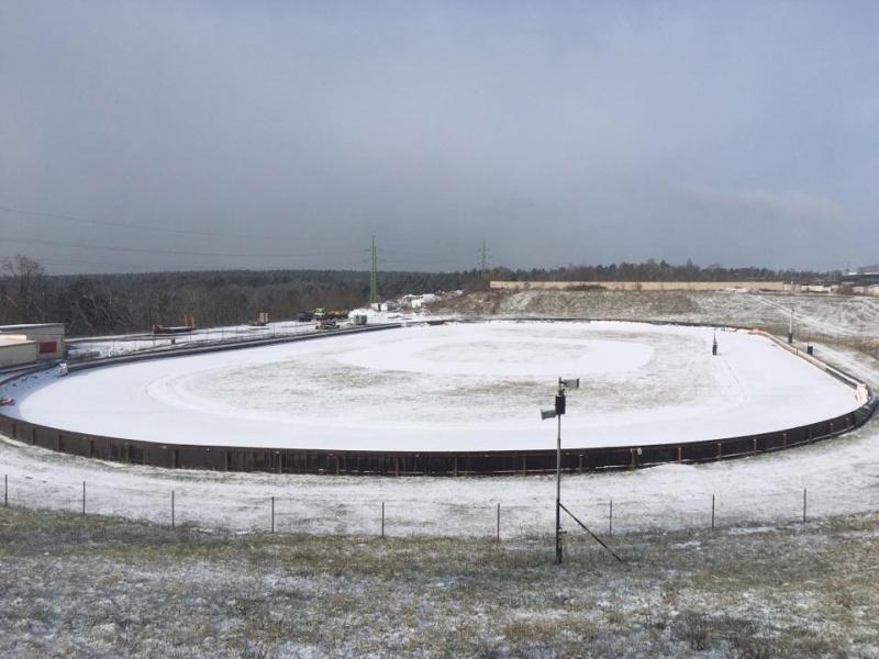 Kdeže aprílové sněhy jsou, zítra se v Plzni na malé dráze bude závodit