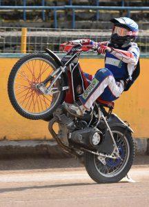 Vítězné wheelie Jana Kvěcha
